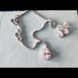 Costume jewelry set - pendant and earrings